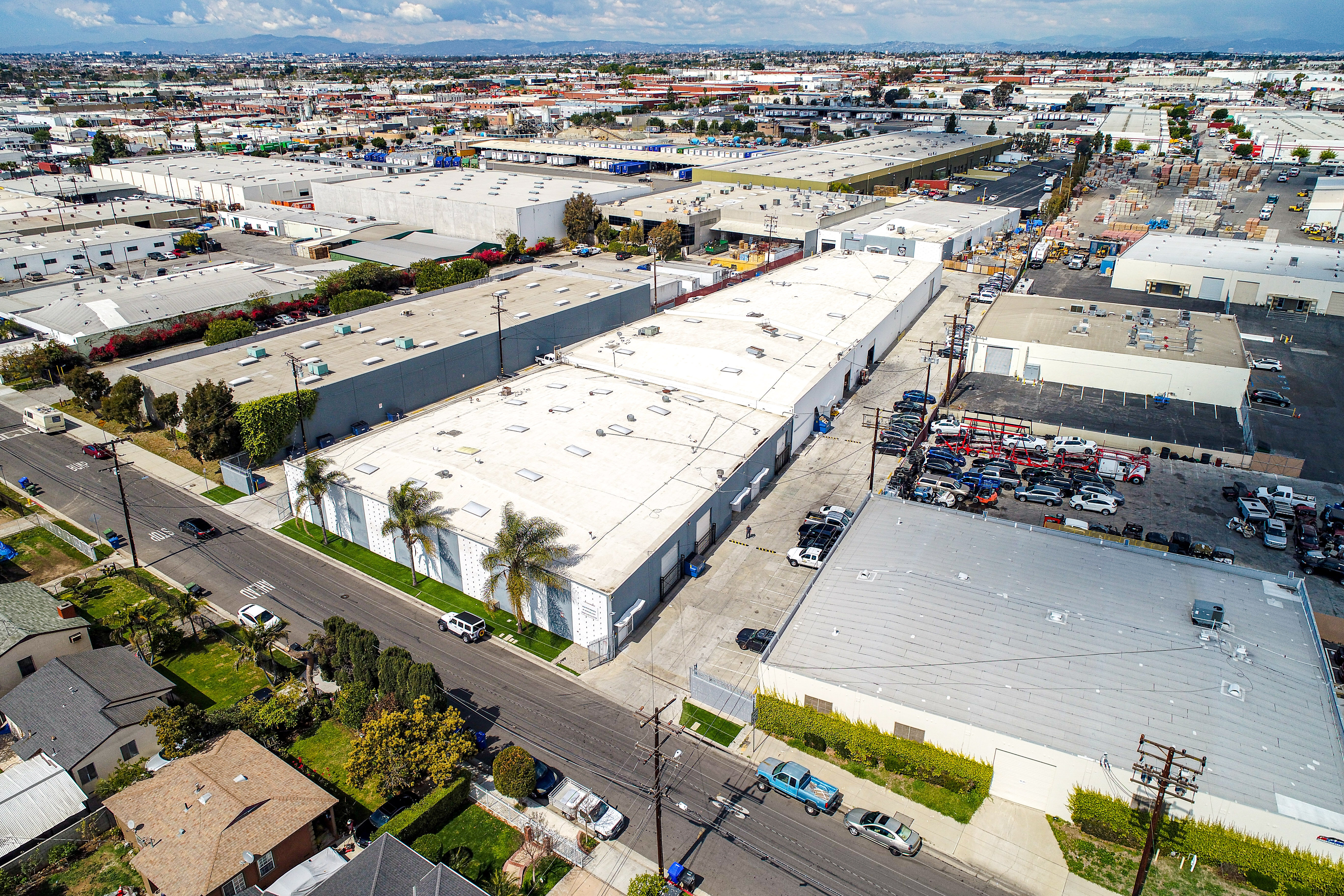 245-261 E 157th St Gardena CA Industrial building for sale